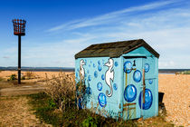 Beach hut at Greatstone Beach. by Tom Hanslien