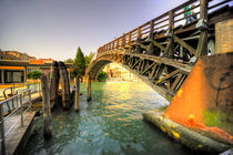 Bridge over the Grand Canal by Rob Hawkins