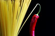 Pasta und hot Chili  by Tanja Riedel