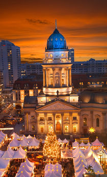 Berlin Gendarmenmarkt by topas images