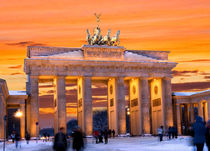 Berlin Brandenburger Tor by topas images