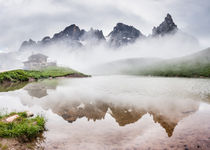 Foggy peak reflection, Pala Dolomites von Tom Dempsey