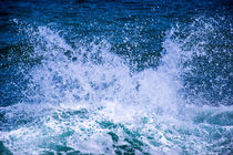 Sea beach waves by slavamalai
