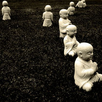 Little buddhas by jotography