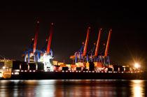 Containerschiff Beladung Nachts von caladoart