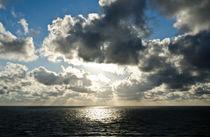Meer Himmel Silbern von caladoart