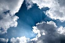 Wolken Licht und Schatten by caladoart