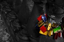 Liebesschlösser in Schwarz Weiß Bund von Dennis Stracke