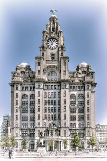 The-liver-building-hand-tint-effect