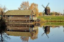 Wassermühle vor einer Windmühle - Watermill an Windmill by Eddie Scott