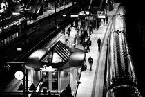 Bahnhof Hamburg  by Bastian  Kienitz