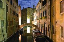 Night in Santa Croce - Venice von OG Venice Italy Travel Guide