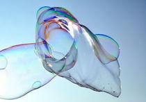 Große Seifenblasen schwebend - Giant Bubbles gliding 5 by Eddie Scott