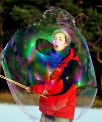 Große Seifenblasen mit Künstlerin - Giant Bubbles and artist by Eddie Scott
