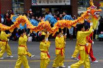 Chinese Dragon Dancers von John Mitchell
