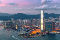 Hong Kong 17 by Tom Uhlenberg
