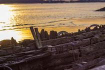 Sonnenuntergang im Wrack an der Elbe by Dennis Stracke