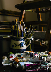 Paints-and-brushes-slow-exp-003-kodachrome64