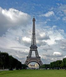La Tour Eiffel by Sally White