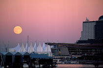 746-moonrise-over-sails-130081-001-v-5-v-13-v-17