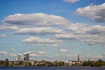 Alster Hamburg mit Blick auf die Mundsburg Tower by Dennis Stracke