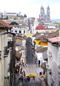 Straße in Quito / Ecuador von reisemonster