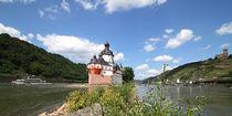 Pflaz, Burg Gutenfels und Schiff bei Kaub am Rhein von buellom