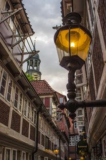 Krameramtsstuben in Hamburg mit Blick auf den Michel by Dennis Stracke