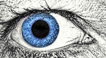 blaue Augen by Heike Loos