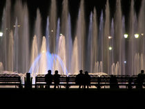 Fountains and Silhouettes von cinema4design
