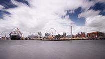 Queen Mary 2 Hafencity II von photoart-hartmann