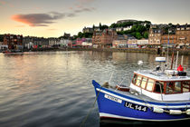 Dusk at Oban Harbour  von Rob Hawkins