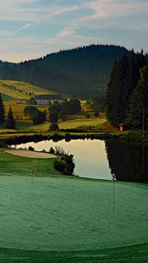 'Sommermorgen am Golfplatz | Landschaftsfotografie' by Patrick Jobst