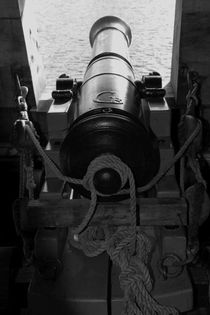 Canon on a tall ship - monochrome von Intensivelight Panorama-Edition