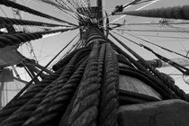 Looming mast on a tall ship von Intensivelight Panorama-Edition