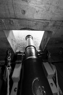 Canon hatch on a tall ship von Intensivelight Panorama-Edition