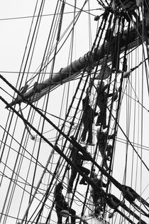 Crew on a tall ship - monochrome von Intensivelight Panorama-Edition