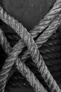 Ropes tied around the mast by Intensivelight Panorama-Edition