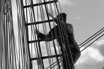 Seaman in the rigging - monochrome von Intensivelight Panorama-Edition