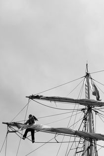 Woman loosening sails von Intensivelight Panorama-Edition