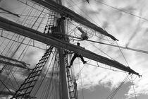 Sailor working in the rigging - monochrome by Intensivelight Panorama-Edition