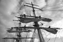 Sailors working in the rigging - monochrome von Intensivelight Panorama-Edition