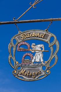 Shop sign of a bakery by safaribears