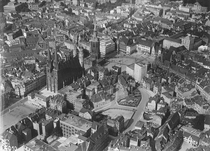 Aerial view of Halle, Saxony-Anhalt (b/w photo)  von Bridgeman Art