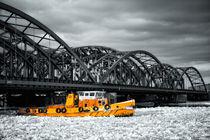 Eisbrecher auf der Elbe von Stefan Bischoff
