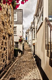 Narrow-cornish-street