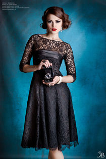 Lady in Lace I von Kiara Black