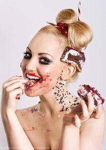 Cherry straciatella cake by Kiara Black