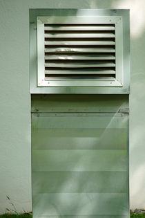 Beschädigte Luft by Bastian  Kienitz