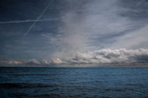 Contrails And Rainclouds Over Lake Michigan von John Bailey